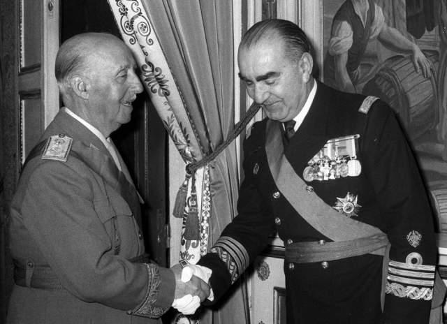 """В 1973 году было совершено покушение на Луиса Карреро Бланко , преемника знаменитого диктатора Франсиско Франко . План группировки """"ЭТА"""" назывался """"Людоед"""". Рядом с улицей, по которой политик часто ездил в церковь, баски сняли подвал и прорыли тоннель."""