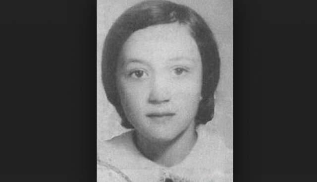 Убийство Лены Закотновой. Убийца изнасиловал жертву, нанес 9-летней школьнице три проникающих ножевых ранения в живот, после чего задушил ее.