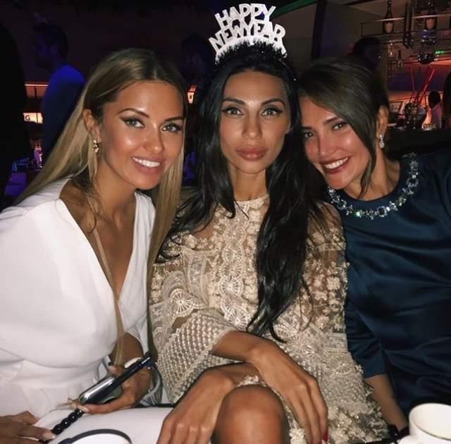Виктория Боня отметила Новый год в компании подруг.