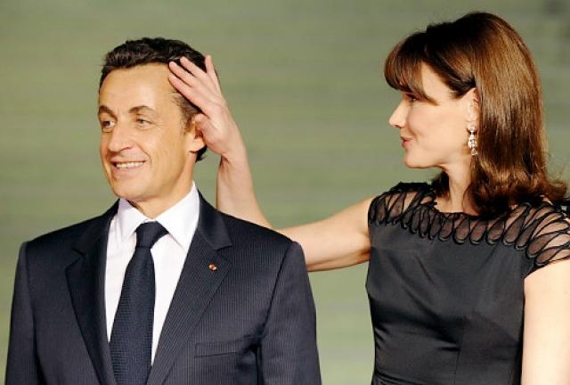 После того, как Николя Саркози сложил с себя президентские полномочия в 2012 году, Карла вновь стала гастролировать, заняла должность редактора французского Vogue и согласилась рекламировать ювелирный бренд Bulgari.