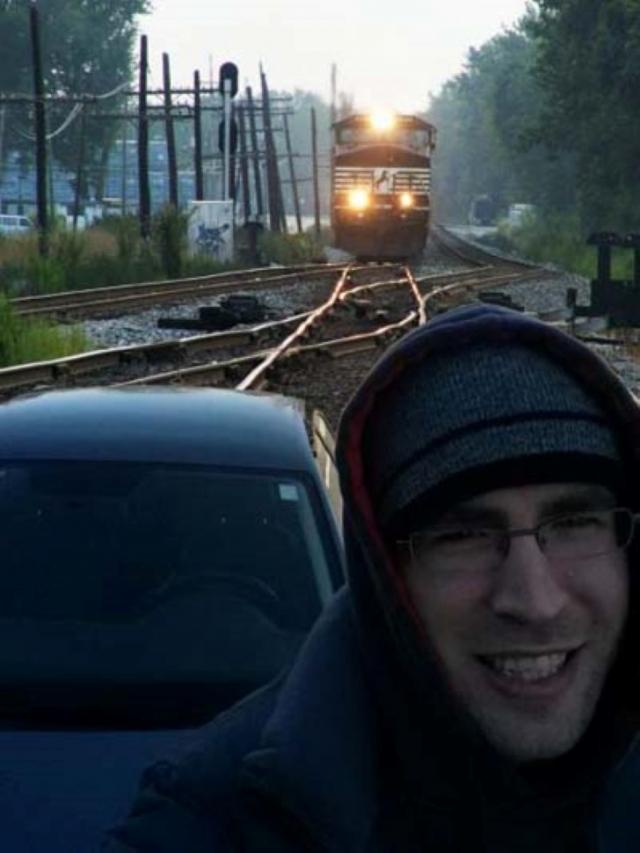 Железнодорожники явно не в восторге от таких фотографов.