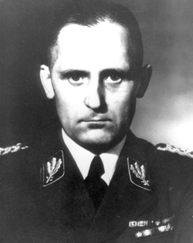 """Эдвард Рошман. Комендант печально известного Рижского гетто и концлагеря Рига - Кайзервальд, так называемый """"Рижский мясник""""."""