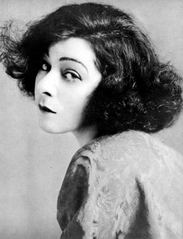 Алла Назимова. Первый наплыв российских актеров в Америку обычно приписывают на счет Октябрьской революции. Оказывается, и до 1917 года некоторые артисты из Российской империи становились известными благодаря американским немым фильмам.