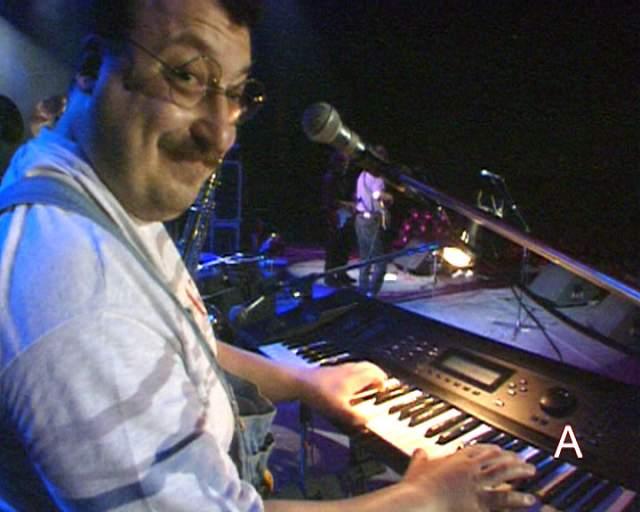 Петр Подгородецкий, 61 год. Был клавишником и вокалистом рок-группы в 1979—1982 и 1990—1999 годах. Причем единственный на тот момент имел музыкальное образование и служил в армии.