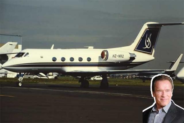 Летом 1997 года Шварценеггер купил частный самолет Гольфстрим за 38 миллионов долларов. Правда, через три года продал.