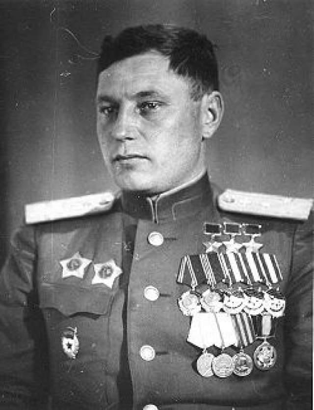 Александр Покрышкин. 1913-1985. Первый трижды Герой Советского Союза. 59 личных побед. Второй по результативности летчик СССР.