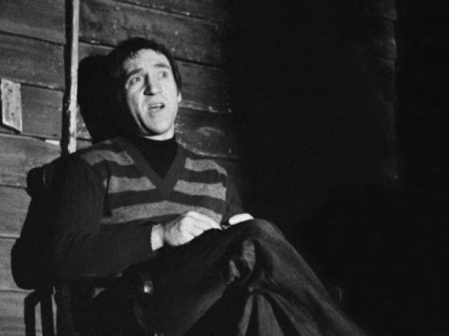 """В 1978 году Высоцкий решил уйти из театра. Чтобы остановить талантливого актера, Любимов предложил ему сыграть Свидригайлова в """"Преступлении и наказании""""."""
