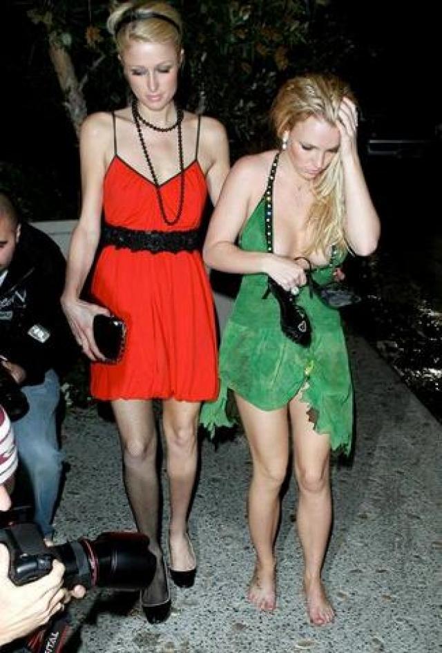 Впрочем и до этого Бритни любила погулять на полную с подружкой Пэрис Хилтон.