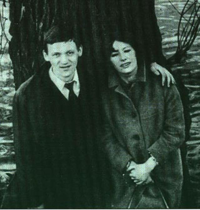 """Их знакомство произошло в эстрадно-цирковом училище. Интересно, что накануне первого визита Пугачевой в """"кузницу артистов"""" ей нагадали, что именно там она встретит своего мужа. В итоге пророчество сбылось."""