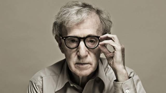 Вуди Аллен. Актер, режиссер и сценарист, пожалуй, один из самых известных очкариков мира.