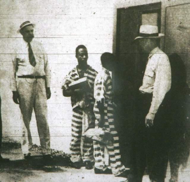 В 2014 году судья Кармен Маллинс официально заявил, что мальчика не защищал адвокат, а его признание было всего лишь результатом принуждения полиции, поскольку реальных улик найдено не было. Стинни был признан невиновным, правда, для него и его родственников это вряд ли имеет значение.