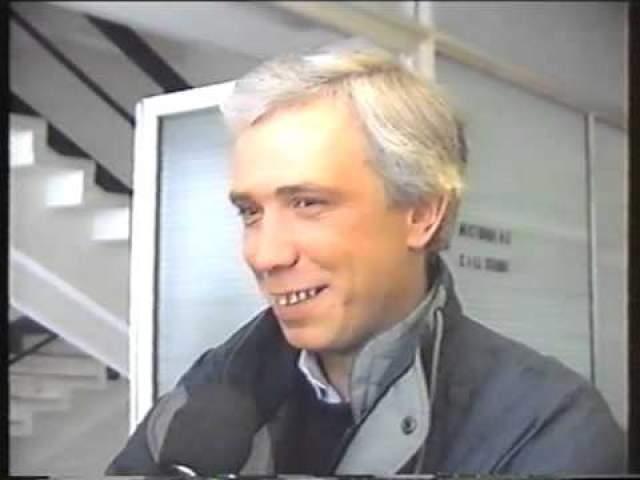 """Параллельно с этим вместе с Любимовым готовил выпуски передачи """"Взгляд из подполья"""", кассеты с которыми тайно распространялись на кассетах по всему Советскому Союзу, но проект успеха не имел."""