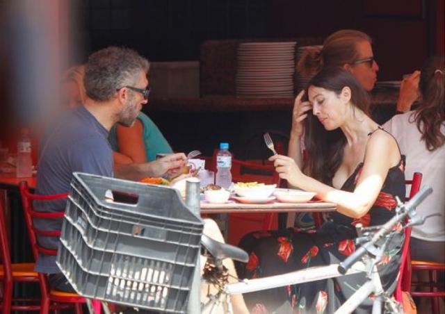 Венсан и Моника жили в разных странах по взаимной договоренности, и в прессе множество раз всплывала информация об изменах, причем как со стороны актрисы, так и со стороны актера. В 2013 году пара рассталась.