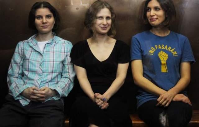 Pussy Riot. В России о них, конечно, знают. Но то, что эти девицы еще и поют - ...