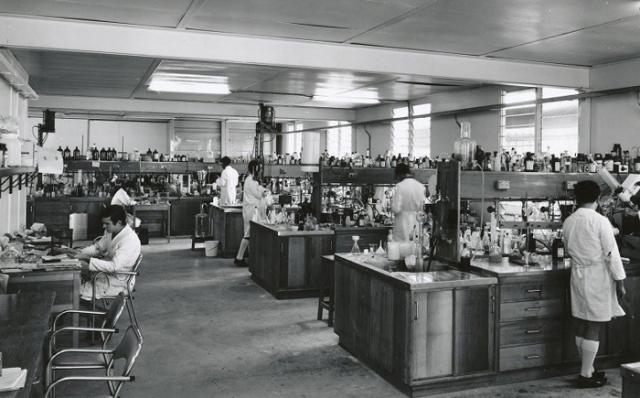 На западе о специальной лаборатории в системе МГБ, в которой проводились эксперименты на людях, впервые было рассказано в 1983 году в книге бывшего сотрудника КГБ - невозвращенца Петра Дерябина.