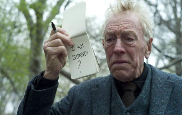 Макс фон Сюдов, который сыграл одну из главных ролей, прервал съемочный процесс из-за получения телеграммы: умер его брат.