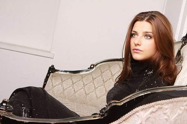 В 2010 году Анастасия поступила на актерский факультет Института современного управления, кино и телевидения, а не так давно стала мамой и немного отвлеклась от кино.