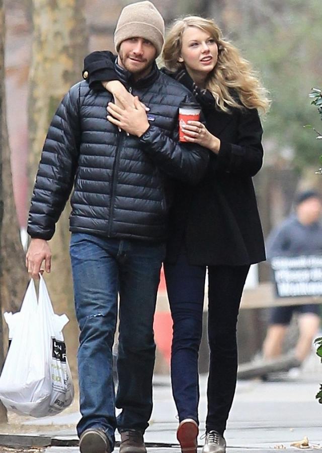 "Джейк Джилленхол. За плечами актера романы с Риз Уизерспун, Кирстен Данст и Натали Портман и даже с Тейлор Свифт, но, по-видимому, ""ту самую"" он так и не встретил."