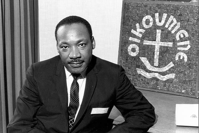 Мартин Лютер Кинг. Убит на балконе в Lorraine Motel в штате Теннеси. 4 апреля 1968 известный афроамериканский лидер движения по защите гражданских прав чернокожих, лауреат Нобелевской премии погиб прямо в своем номере.