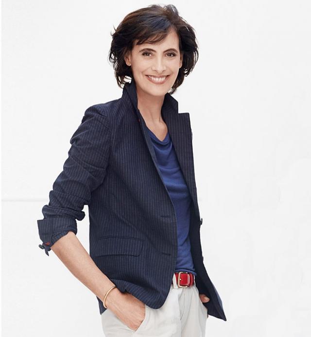 Инес де ля Фрессанж. 59-летняя француженка, выросшая среди моделей, сама решила взойти на подиум, начав работать моделью в17 лет. В 80-е она вдохновляла самого Карла Лагерфельда.