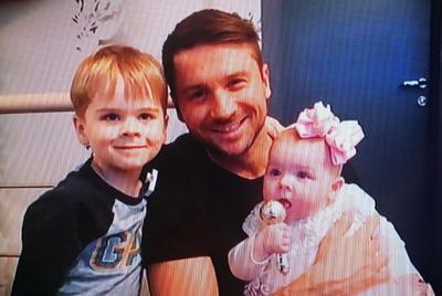 Новости дня: Сергей Лазарев впервые показал свою дочь